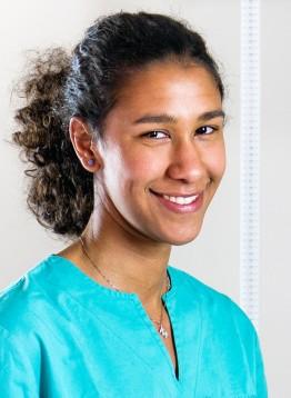 Dott.ssa Mariapaola Ngaradoumbe del Centro Medico Odontoiatrico Clinica Sorriso del Bambino