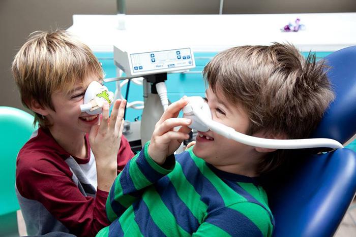 bambini-con-mascherine
